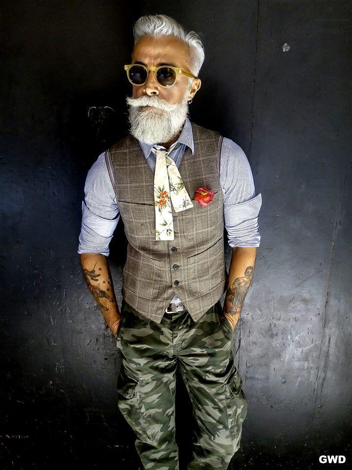 борода и татухи
